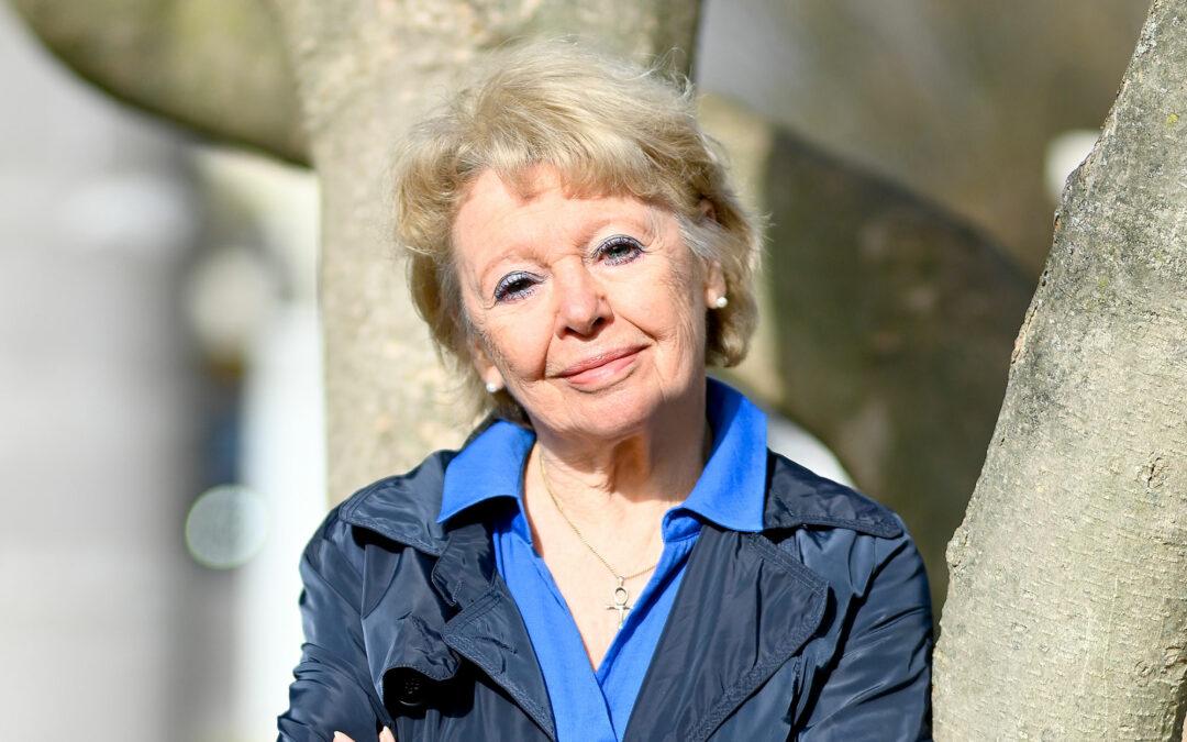 Helga Karola Wolf